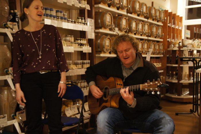 musicians Sylvia and Daniel