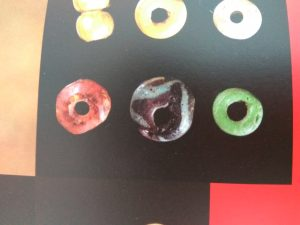 glass beads Hedeby tomb 5